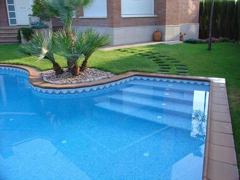 Projecte blau piscinas for Detalle constructivo piscina
